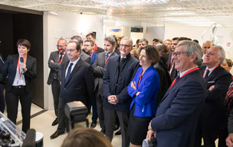 François Hollande visite le showroom CEA Tech grenoblois
