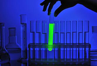 Chimie «click and release»: de la fluorescence pour suivre les médicaments dans l'organisme